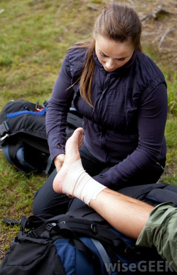 Basic First Aid Tips00010