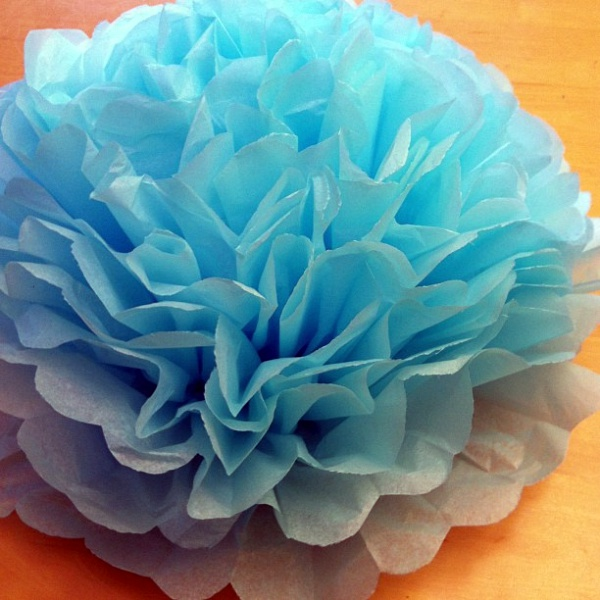 How to Make Giant Tissue Paper Flowers00007