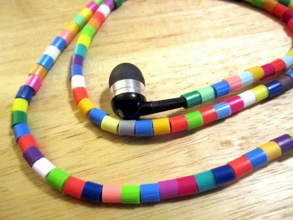 How to make your own Colorful Earphones00020