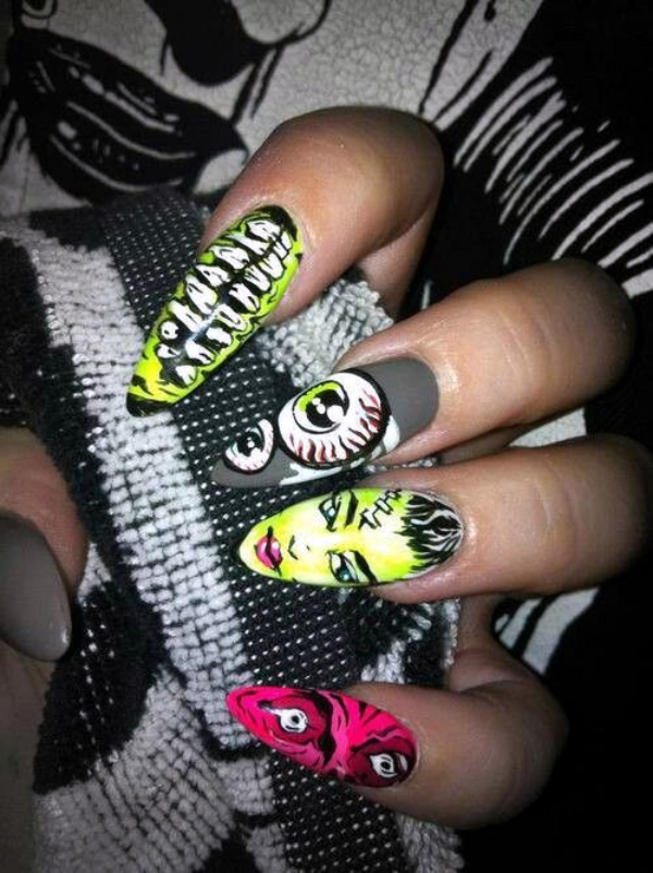 Scary Zombie Nail Art To Try On This Halloween00013