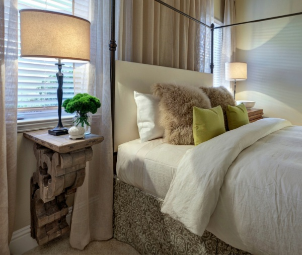 Bedside Table Decor Ideas