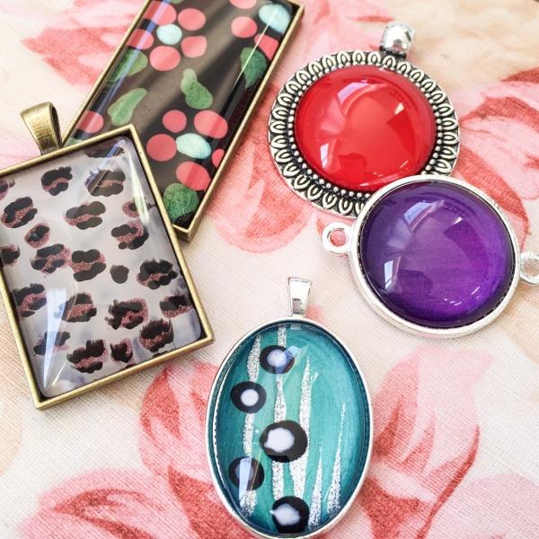 30 crafty use of nail polish for Crafts using nail polish