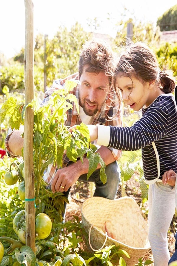 Benefits of Gardening with Kids