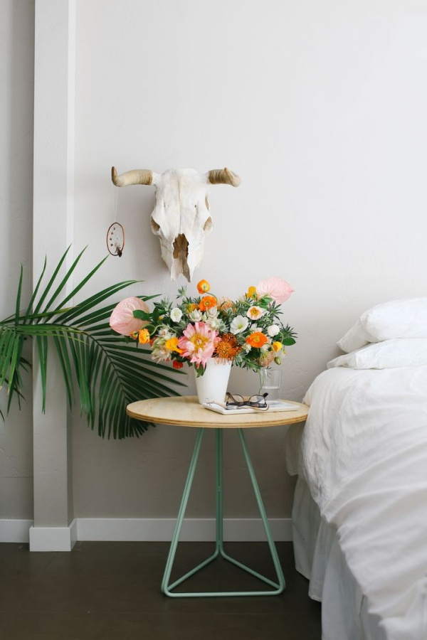 Flowers Can Make Your Bedroom More Cozy