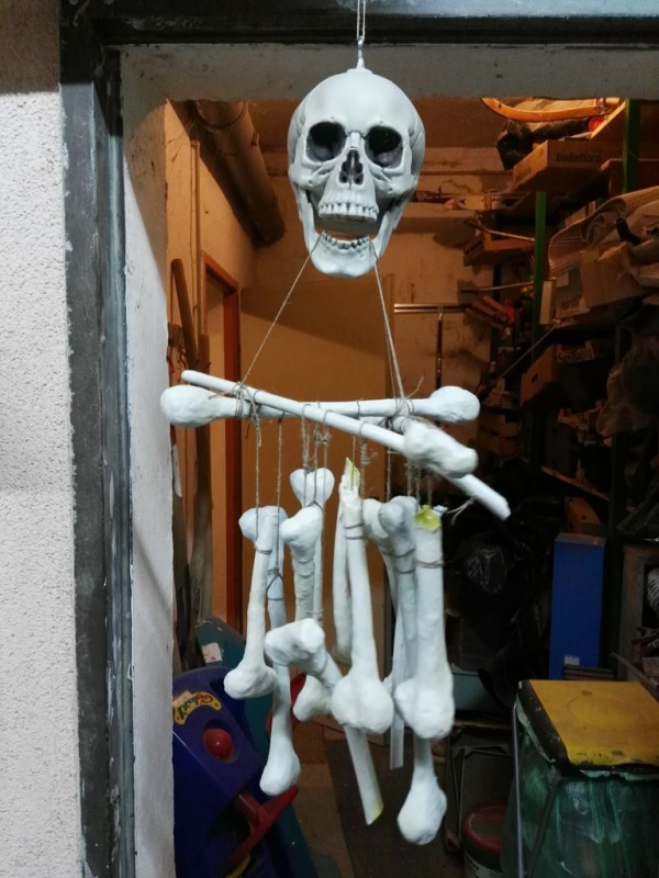 Scary Skeleton Decor Ideas to try this Halloween