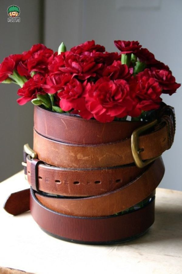 Ways to Reuse old Belts to Decor your House