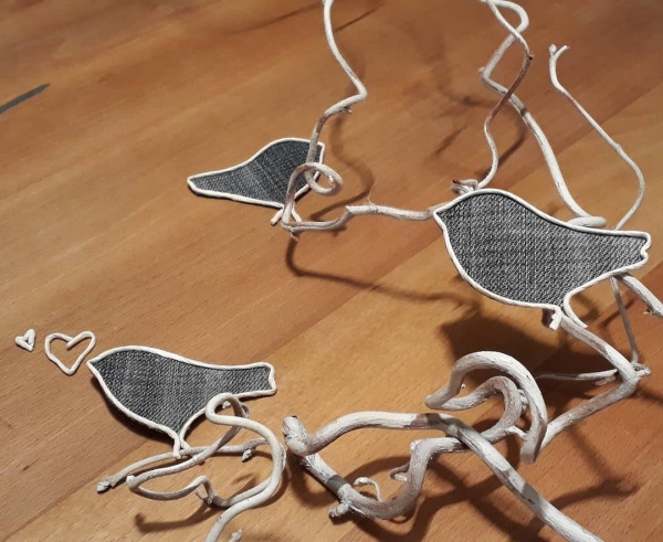 DIY Craft Figures Made with Paper Wire