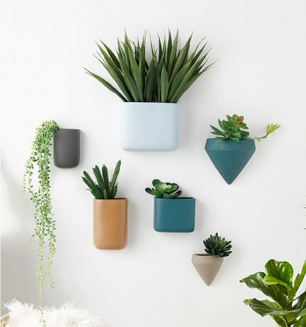 Simple and Speaking Ceramic Wall Arts